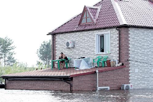 Жители затопленных районов эвакуироваться упорно не хотят. Фото: Архив «Комсомольской правды»