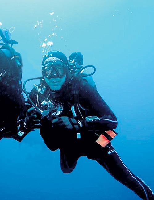 Опытный дайвер МАКАРЕВИЧ без проблем погружается на 65 м. Фото: Fb.com