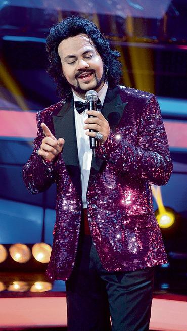 ЧУМАКОВ заслуженно стал победителем шоу «Один в один!»  (на фото в образе КИРКОРОВА). Фото Руслана РОЩУПКИНА