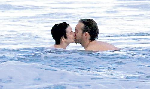 «Медовый месяц» супругов длится уже полтора года