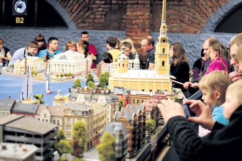 В стране есть специалисты, которые смогут разбить на крымской земле парк миниатюр