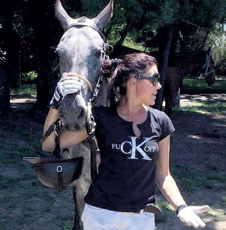 Третья жена Макара Наталья ГОЛУБ. После развода уехала в Аргентину к коневоду, с которым познакомилась в круизе