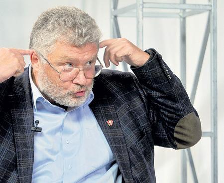 Юрий Михайлович считает, что Жене лучше жевать, чем говорить