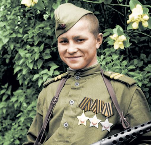 Младший сержант Анатолий ГОЛИКОВ уже в 18 лет был полным кавалером ордена Славы
