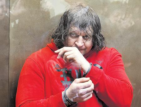 Александр ЕМЕЛЬЯНЕНКО уже больше года провёл в тюрьме. Осталось три с половиной. Фото: РИА «Новости»