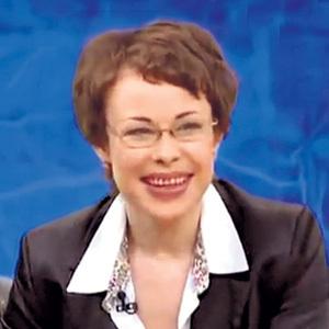 ...а бывшая поп-звезда недавно выступила в «Пусть говорят» у МАЛАХОВА и заявила: «У меня всё хорошо! Я работаю секретарем у генерального директора»
