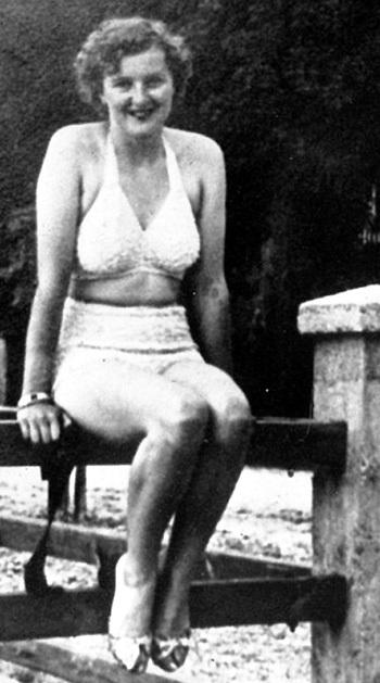 Ева БРАУН в резиденции ГИТЛЕРА в Бергхофе охотно позировала в нижнем белье, а прежде в таких случаях не заморачивалась даже исподним