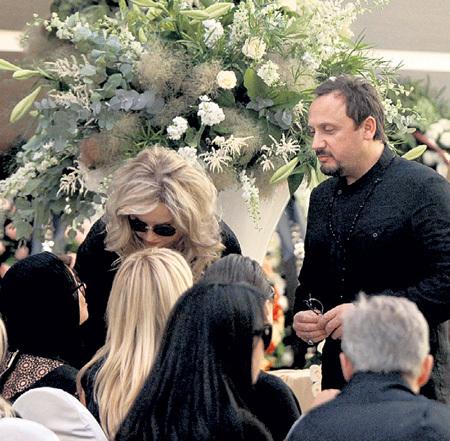 Супруги МИХАЙЛОВЫ выразили искренние соболезнования близким