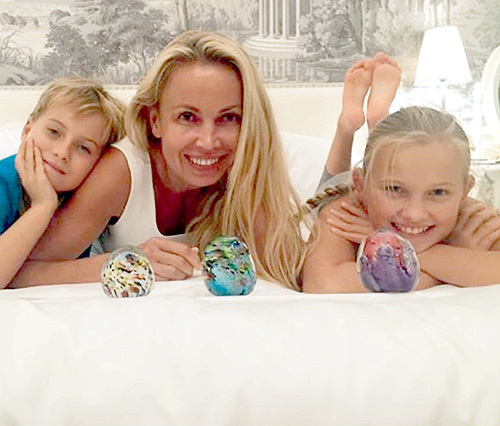 Сейчас Ольга с детьми отдыхает в Монако - там для страдающих сильнейшей аллергией Никиты и Насти самый благоприятный климат. Фото: Instagram.com