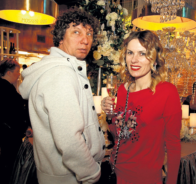 Экс-жена Марата БАШАРОВА Лиза КРУЦКО пришла с нынешним супругом - кинооператором Сергеем ШУЛЬЦЕМ