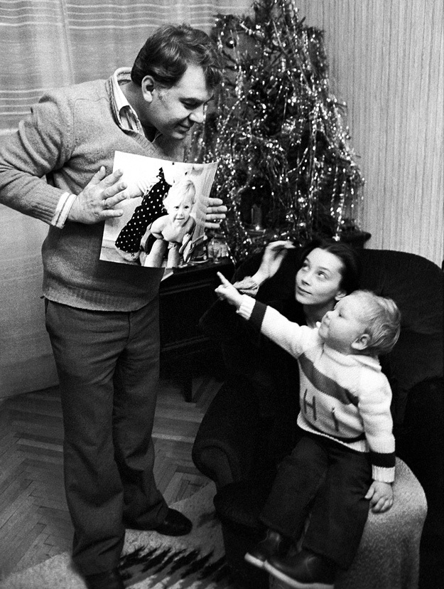 С двумя Эмилями ЛОТЯНУ - мужем и сыном. Фото: © РИА «Новости»