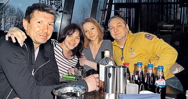 Семейное фото: музыкант с новой женой-актрисой, сестрой Наташей и отцом Евгением Висвальдовичем. Фото: Instagram.com