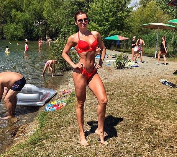 Великолепная фигура Светланы Астафьевой украсит даже такой пляж! instagram.com/lanaastafieva