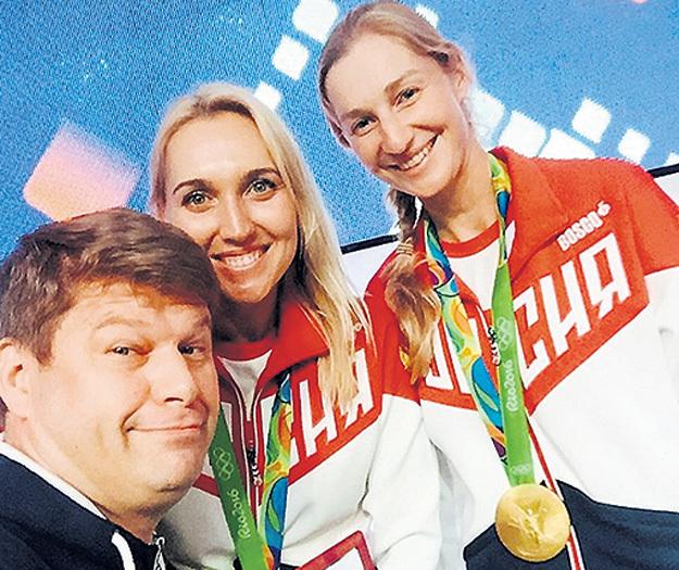 Во время Олимпиады в Рио Дмитрий сфотографировался на память с теннисистками Еленой ВЕСНИНОЙ и Екатериной МАКАРОВОЙ... Фото: Instagram.com