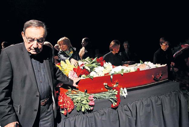 У гроба бывшей супруги Леонид ЭРМАН еле сдерживал чувства