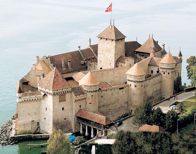 ...а швейцарцы уверены, что композитор творил под впечатлением от сурового Шильонского замка