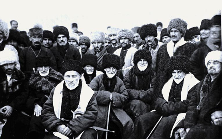 Делегаты или Конгресс провозглашения Чеченской автономной области. 15 января 1923 года. Источник: ru.wikipedia.org