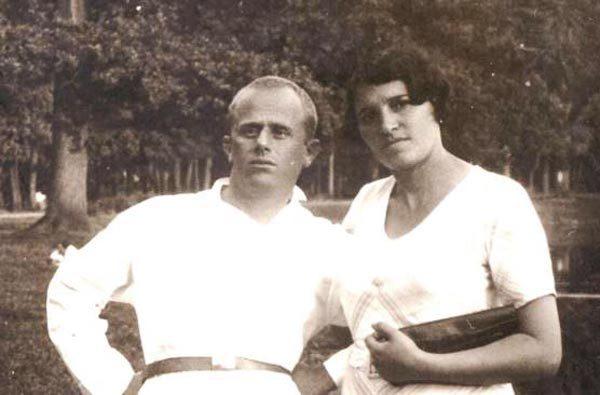 Борис Родос с женой Ревеккой Ратнер (из домашнего архива Родосов). Источник: wikimedia.org