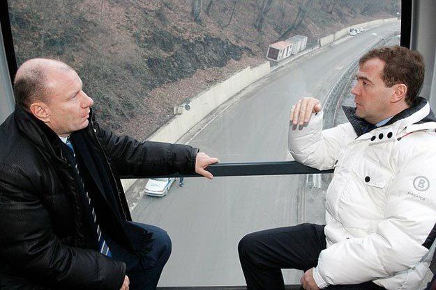 Дмитрий Медведев посетил принадлежащий Потанину горнолыжный комплекс «Роза Хутор», 2011 г. Фото: kremlin.ru