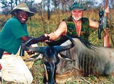 АНАТОЛИЙ КУЛИКОВ: охотится и с нашим Черномырдиным, и с африканским