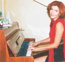 АРТИСТКА: Антонина говорит, что с детства мечтала профессионально петь, но не сложилось