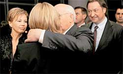 НОВЫЙ ЗЯТЬ ЭКС-ПРЕЗИДЕНТА АНДРЕЙ ТУХАЧЕВ (справа): на юбилее отца Ирина представила мужа своим родственникам