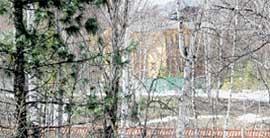 БАРСКИЙ ДОМ: скрытый деревьями, всегда готов к приему дорогих гостей