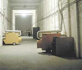 КИНОКОМПЛЕКС В БОРТНИЧАХ: из общего коридора можно попасть на площадки трех сериалов