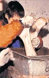 ВВЕРХ ТОРМАШКАМИ: из дымохода торчали только Ромкины ноги