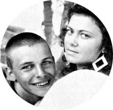 СУПРУЖЕСКОЕ СЧАСТЬЕ: в самом начале карьеры Мумик утверждал: «Жена Елена - это навсегда»