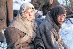 АНАСТАСИЯ МЕЛЬНИКОВА (слева): блестяще справилась с ролью