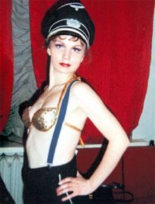ТАЛАНТЛИВАЯ АКТРИСА: на протяжении десяти лет в Московском театре Сатиры Ольга переиграла почти весь репертуар, в том числе исполняла роль танцовщицы немецкого кабаре в спектакле «Прощай, конферансье!»