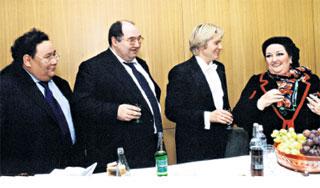 ТВОРЧЕСКИЙ СОЮЗ: Дайрабаев, Шпигель, Басков и Монтсеррат Кабалье частенько соображали на четверых