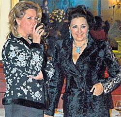 ИРИНА ВИНЕР (СПРАВА): оказалась под угрозой дисквалификации