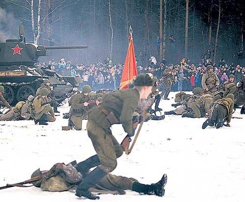 В атаку в 2009 году, как и 65 лет назад бежали «За Родину», «За Сталина»