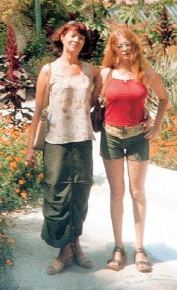 Летом КОПАНОВА побывала с мамой в Бахчисарае
