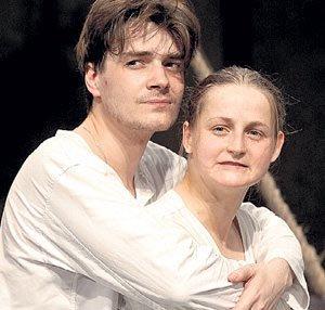 До встречи с Лизой Максим был счастлив с латышской актрисой Яной Сексте.
