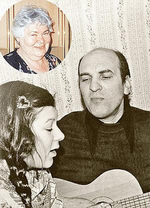 ПЕТРЕНКО любил музицировать в компании дочки Полины, которая родилась в браке с первой женой Аллой (в круге) (фото kp.ru)