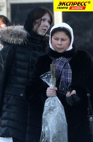 Вдова Леонида НЕЧАЕВА Надежда (слева)
