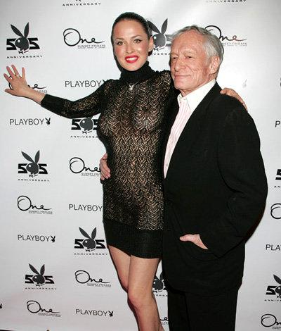Дарья Астафьева в обнимку с Хью Хефнером