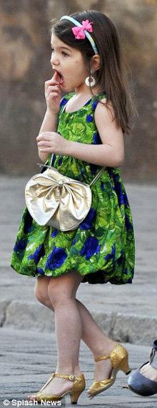 Сури Круз стала иконой детского стиля для жителей Великобритании