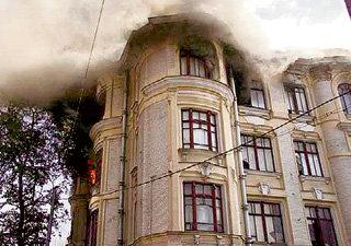 Доходный дом купца БЫКОВА огонь уничтожил через неделю после признания его памятником архитектуры (фото lookatme.ru )