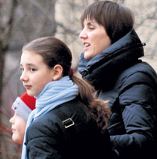 Людмила ГОНЧАРУК с дочкой Лизой, которую ФОМЕНКО не признал, хотя девочка очень на него похожа