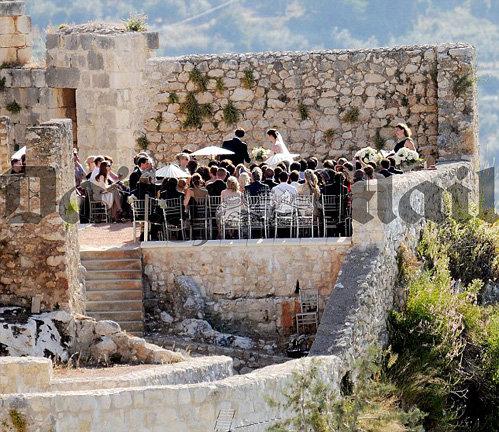 Церемония проходила в маленькой деревушке в Андалусии