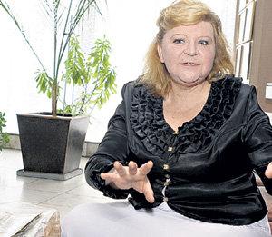 Первый тренер будущей чемпионки Тамара ЯРЧЕВСКАЯ переживает за свою воспитанницу (июнь 2010 года)