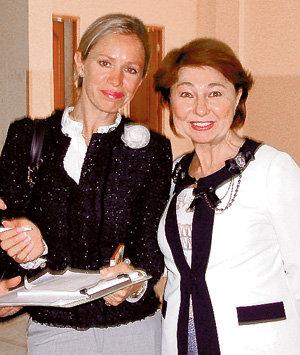 На конференцию в Новогорск ГРИЩУК приехала со своей многолетней подругой Зоей, которая является её доверенным лицом