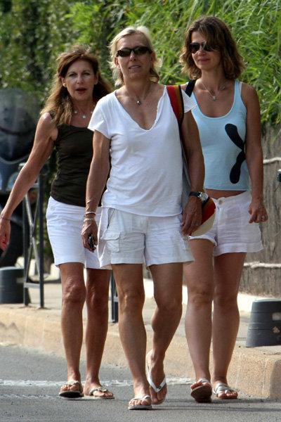 Знаменитая теннисистка и бывшая мисс СССР отдыхают вместе на французской Ривьере в Сан-Тропе