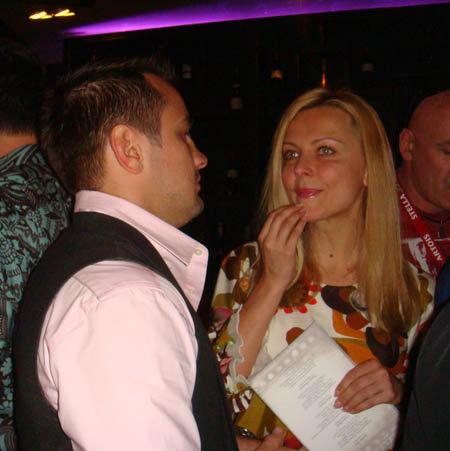 Теперь Дмитрий выходит в свет совсем с другой девушкой - актрисой Оксаной Кутузовой...