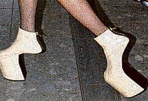 ...и туфлями