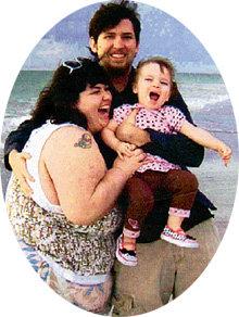 С мужем Лари и дочерью Тез